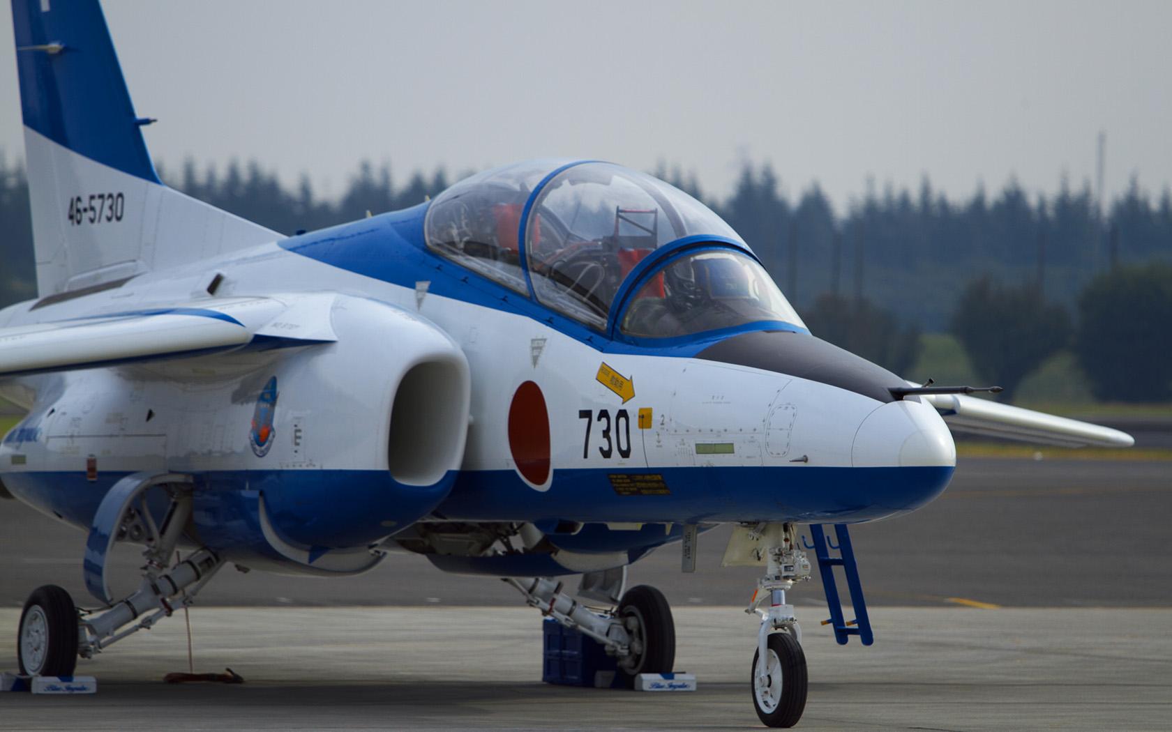 ブルーインパルス T-4