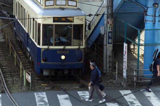 路面電車と横断歩道